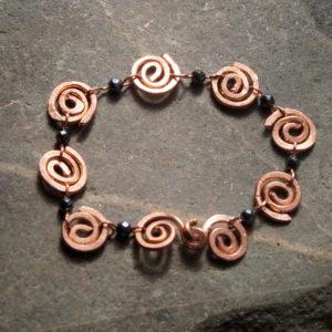 Armband spiraal hematiet en koper